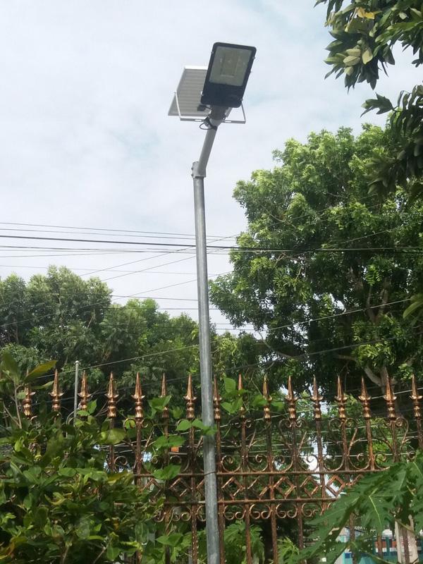 Đèn bàn chải năng lượng mặt trời 120W